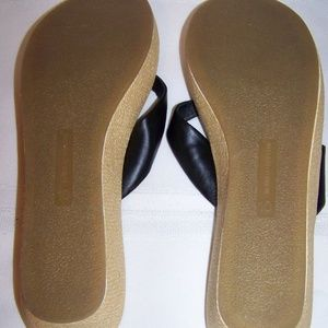e5395e9b9 Montego-Bay club Shoes - Montego-Bay club black and white floral flip flop